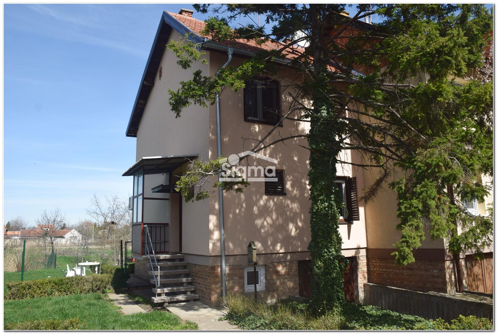 Porodična Kuća U Mirnom Naselju ZRENJANIN Karađorđev Trg
