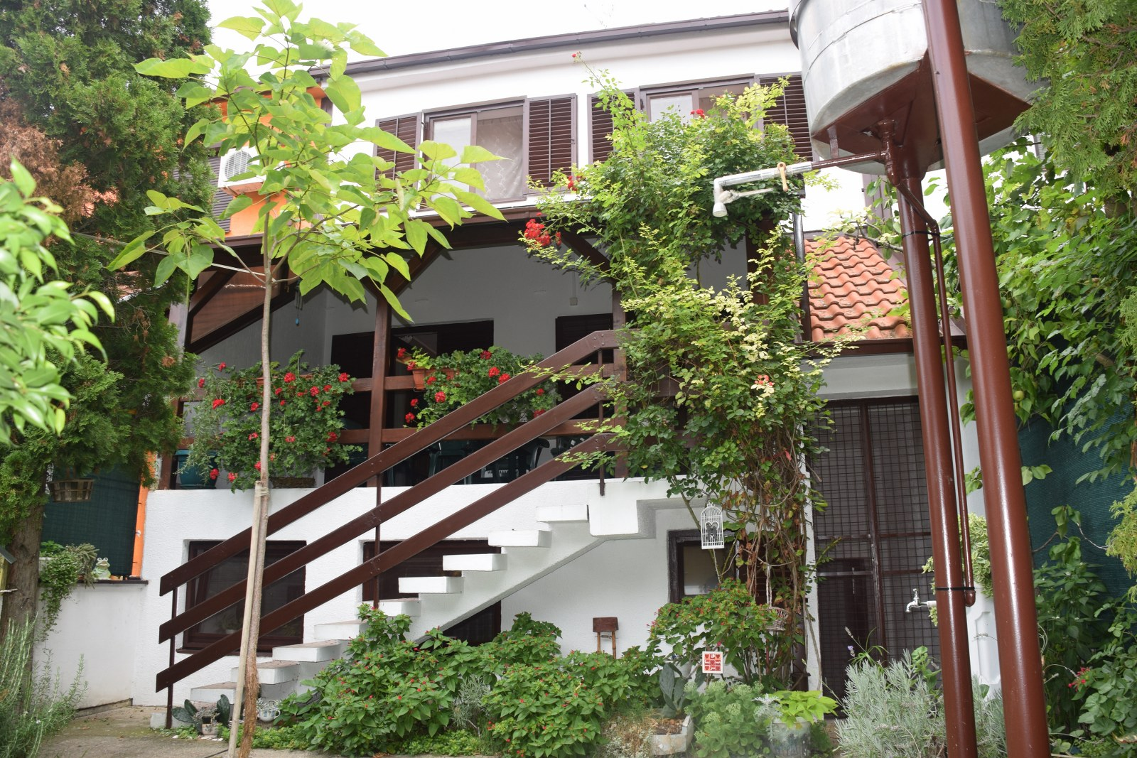 Četvorosobna Kuća Sa Garažom ZRENJANIN Putnikovo