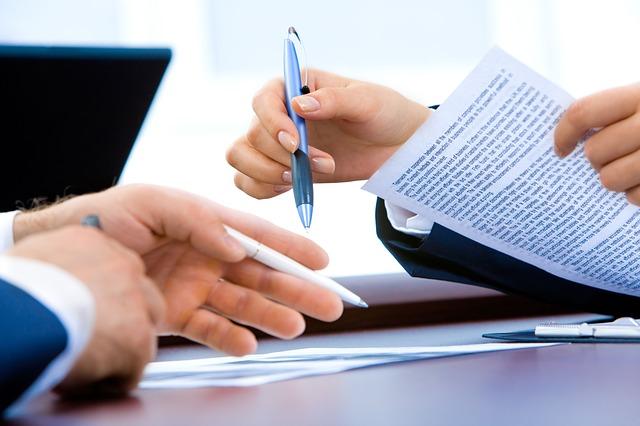 dve strane potpisuju ugovor sigma nekretnine zrenjanin