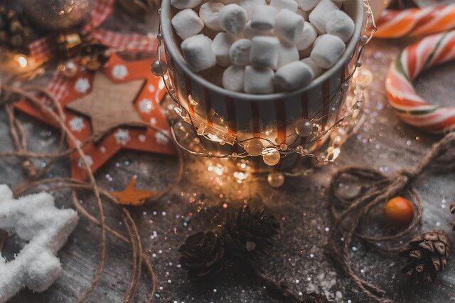 božić na stolu dekoracija sigma nekretnine zrenjanin