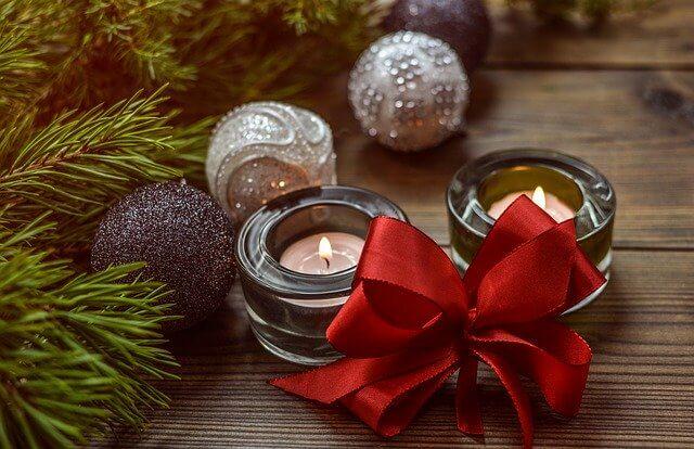 božić na stolu sveće sigma nekretnine zrenjanin
